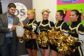 Die Gruppenauslosung durch Tobias Tauch und den GoldFlash Cheerleader e.V